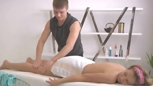 Masseur gives playgirl a scatological vibrator satisfying via massage