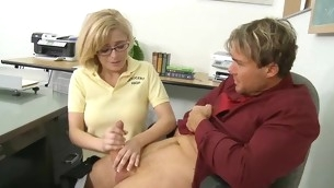 Schoolgirl widens her legs for her pre-eminent aged locate