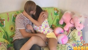 Teen uses a vib on her clit to the fullest extent a finally pounded