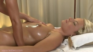 Sweeping massage with alluring lesbians Jessie and Lola