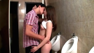Horny hottie enjosy vehement sex next approximately the water-closet bowls